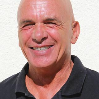 Ronald Perez, Éducateur