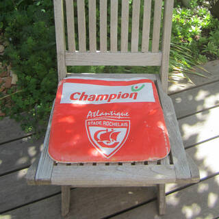 Un vieux coussin de siège retrouvé par Christian
