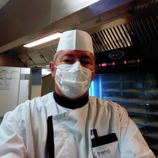 """Raphaël - Responsable de production en cuisine centrale pour EHPAD - """"Merci pour votre soutien !"""""""