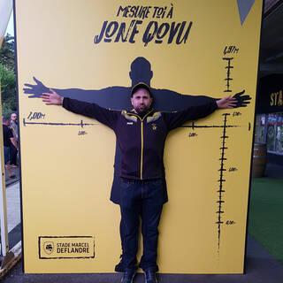 Presqu'aussi grand que Jone Qovu !