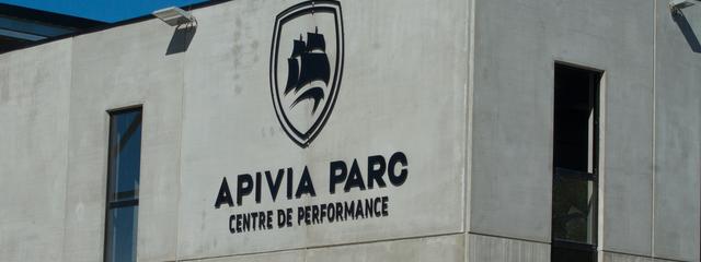 Installation des joueurs à l'Apivia Parc